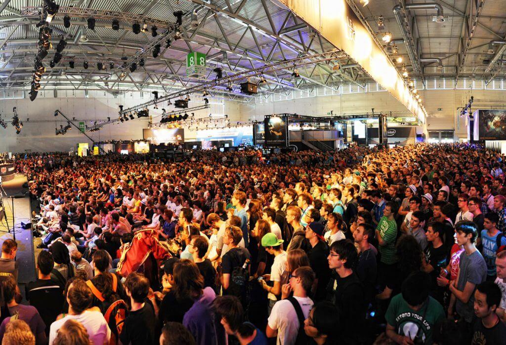 Crowds at Gamescom 2016