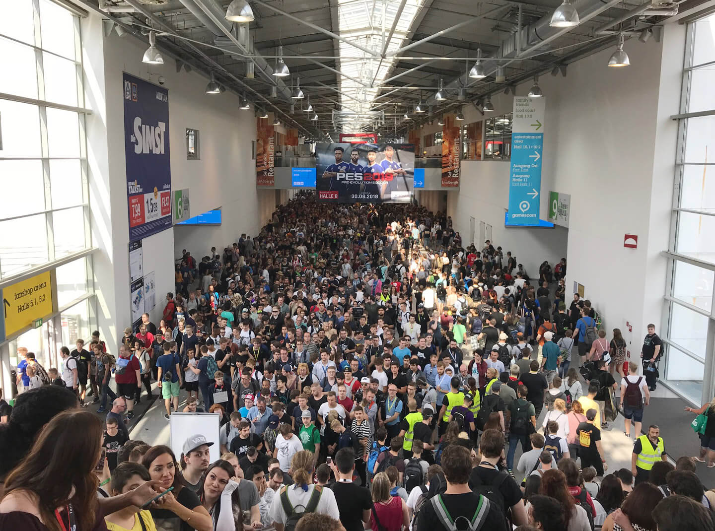 Gamescom: Crowds